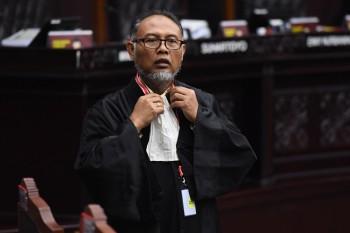 Hakim MK Tolak Dua Permintaan Tim Hukum Prabowo-Sandi
