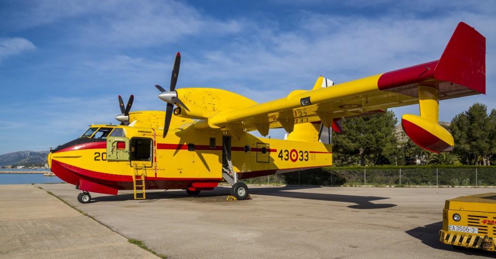 Viking Air CL 415