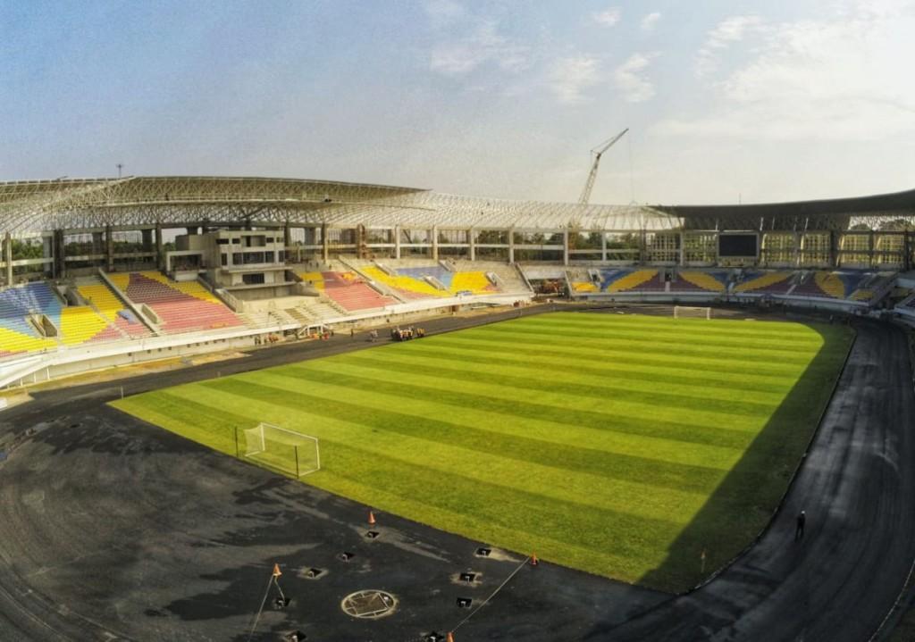 rumput Stadion Manahan