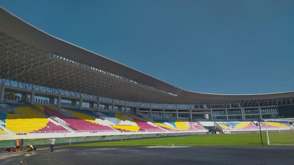 tribune Stadion Manahan
