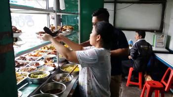 Alasan Kaum Urban Makan di Warteg, Soal Menu atau Harga?