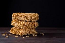 Penyebab dan Cara Menghentikan Kecanduan Makan Mi Instan