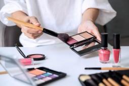 Uang Saku Mahasiswa Rp2 Juta, Tak Lupa Beli Skincare
