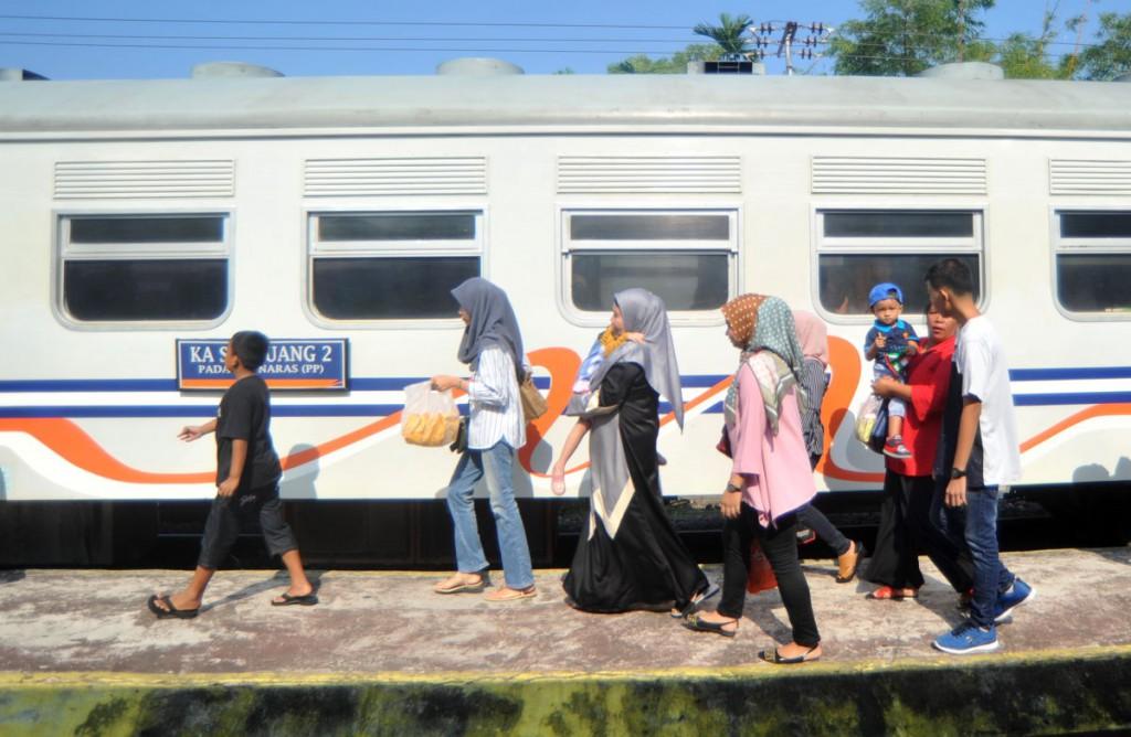 penumpang kereta