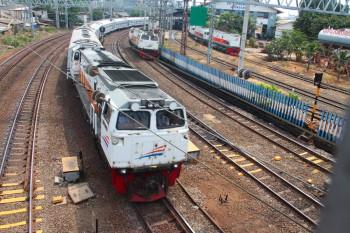 Perbedaan Penumpang Kereta di Jawa dan Sumatra
