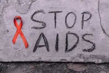 Melihat Cara Pandang Orang Indonesia Terhadap Penderita HIV