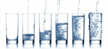 ilustrasi air minum (freepik)