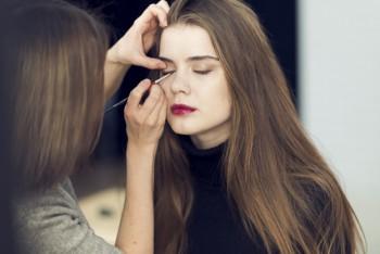 Pinjam Alat Make up Wanita Australia Jadi Lumpuh, Benda-Benda Ini Hanya untuk Sendiri