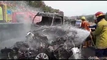 Kecelakaan Tol Cipularang Telan 9 Korban, Berikut Cara Aman Berkendara di Tol