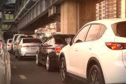 Jarak Aman Berkendara: Cara Menghitung & Pasang Alat Pemandu
