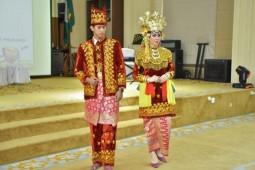 Sulaman Benang Emas di Pakaian Tradisional Jambi