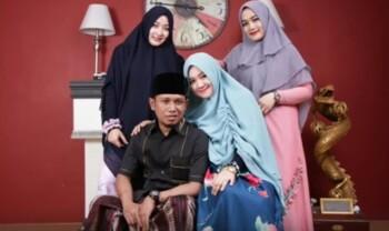 Cerita Lora Fadil dan Uang Saku Rp6 Juta untuk 3 Istri