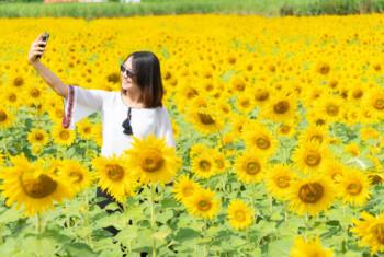 Suka Selfie? 13 Gaya Selfie Ini Mengungkap Kepribadian Anda