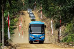 Panjang Jalan di Indonesia 13 Kali Keliling Bumi, tapi …