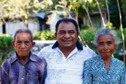 Kisah Petani Buta Huruf Antarkan Anaknya Jadi Bupati TTU