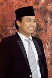 bupati termuda Makmun Ibnu Fuad