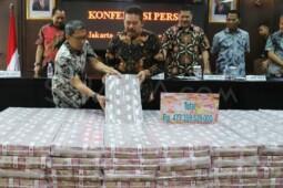 Uang Korupsi Dijejer, Sabang-Merauke Pun Lewat