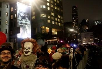 Parade Halloween Parade di Manhattan, New York, Amerika Serikat 31 Oktober 2019. (Reuters/Yana Paskova)