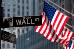 Konspirasi Dua Bos Wall Street di Balik Black Friday