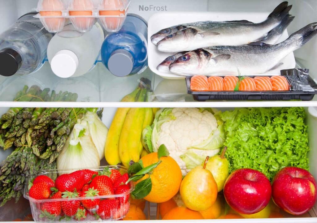 Menyimpan makanan di kulkas