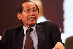 "Kisah Artidjo Alkostar: Sidang Pak Harto, Sandal Jepit, dan ""Jagal"" Koruptor"
