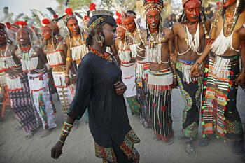 Tradisi Suku Wodaabe: Kontes Ketampanan Lantas Mencuri Istri Orang