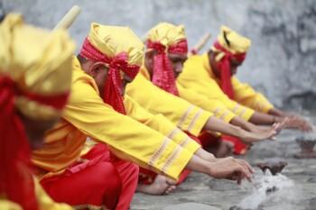 Melihat dari Dekat Tradisi Memanggil Jin di Ternate