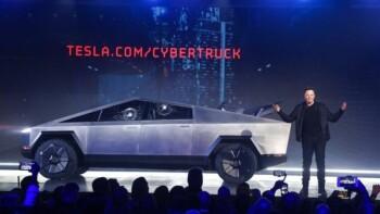 Elon Musk memperkenalkan Cybertruck milik Tesla. (Reuters)