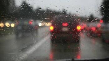 Hadapi Musim Hujan, Cari Mobil yang Punya 5 Fitur Keamanan Ini