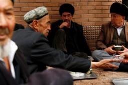 Melacak Asal Usul Etnis Uighur