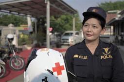 Nani Yulia, Brexit, dan Ambulans Motor
