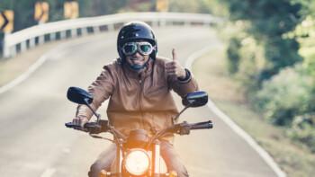 Melihat Kembali Aturan Motor Wajib Menyalakan Lampu Siang Hari