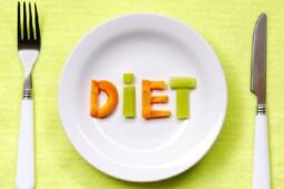 Sedang Turunkan Berat Badan? Kenali 8 Risiko Diet