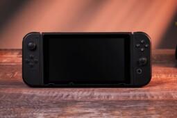 Urusan Konsol Portabel, Nintendo Switch Menang Tanpa Perlawanan