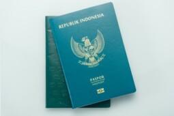 Bikin Paspor Online Bisa Lewat Whatsapp, Amankah?