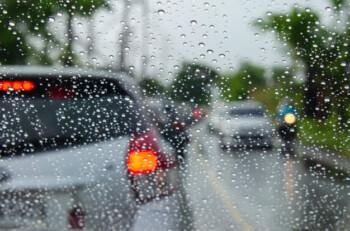 Tak Masalah Liburan Saat Musim Hujan, Asal..
