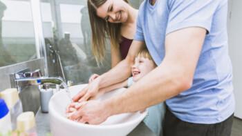 Lindungi Anak dari Stres Akibat Isu Virus Corona
