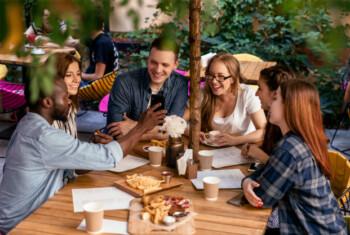 Nongkrong di Kafe hingga Skincare, Saat Hedonisme Menjerat Mahasiswa