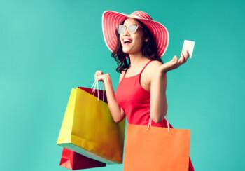 Belanja atau shopping juga menjadi salah satu kegemaran para mahasiswa terutama para cewek (ilustrasi/freepik)