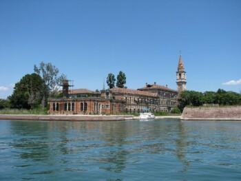 Pulau Poveglia, Italia (wikipedia)