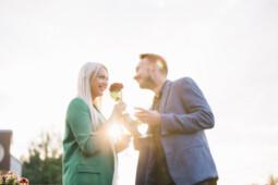 Siap-siap Dibikin Melayang, Pria-Pria dari 10 Negara Ini Dikenal Romantis!