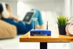 Bisa Bikin Sinyal Internet Lemot, Jauhkan 5 Benda Ini dari Router Wifi