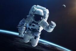 Mengintip Kehidupan Astronaut di Luar Angkasa yang Katanya Awet Muda