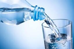 Dulu Dianggap Aneh, Ini Sejarah Air Minum Kemasan Aqua hingga Sukses