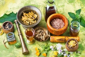 Perhatikan Komposisinya, Ini Efek Samping Obat Herbal