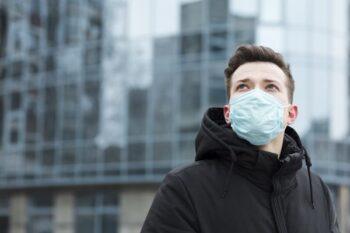 Beragam Masker Canggih, Mulai dari Translator Hingga Memonitor Organ Vital