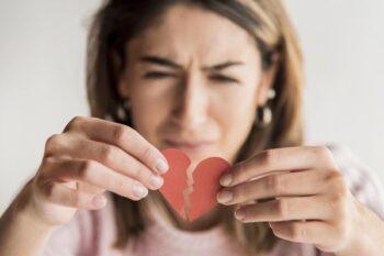 Dikhianati Pasangan? Ini Pelajaran yang Bisa Diambil dan Dipetik
