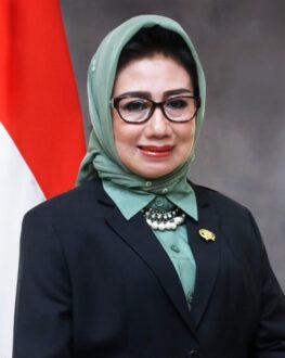 Encek UR Firgasih, Ketua DPRD sekaligus istri Bupati Kutim, Ismunandar (istimewa)