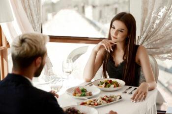 Hal-Hal yang Diperhatikan Pria dan Wanita dari Pasangan Saat Kencan Pertama