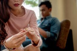 Jangan Galau, Ini Kiat Sukses Move On Seusai Batal Menikah